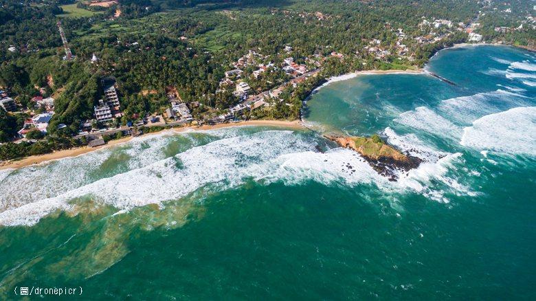 十年來,斯里蘭卡的債務成長約四倍,目前估計達到六五○億美元,占GDP的八五%。