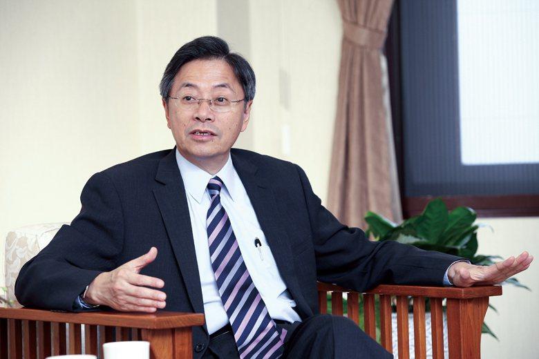 前行政院長張善政卸任後,仍相當關心智慧科技的發展。