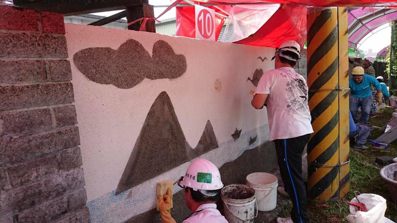 外牆設計常見「抿石子工法」,白色水泥結合各式各樣小石子,塗抹在牆上後,經打磨處理...