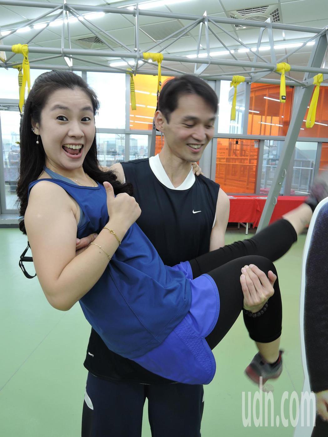 原本體重飆達107公斤的陳志鴻,藉由運動加上飲食控制,半年內甩掉33公斤 ,還因...