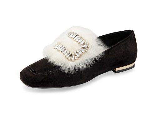 Roger Vivier毛草樂福鞋,69,900元。圖/迪生提供