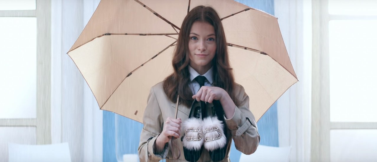 Roger Vivier推出秋冬最新影片,找來模特兒Anastasia Voro...