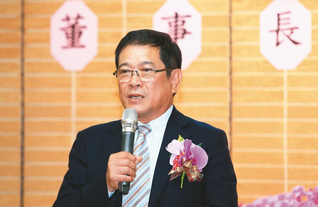 經濟部次長楊偉甫昨天接任台電董事長一職,他表示,他會以全力穩定供電、並推動非核家...