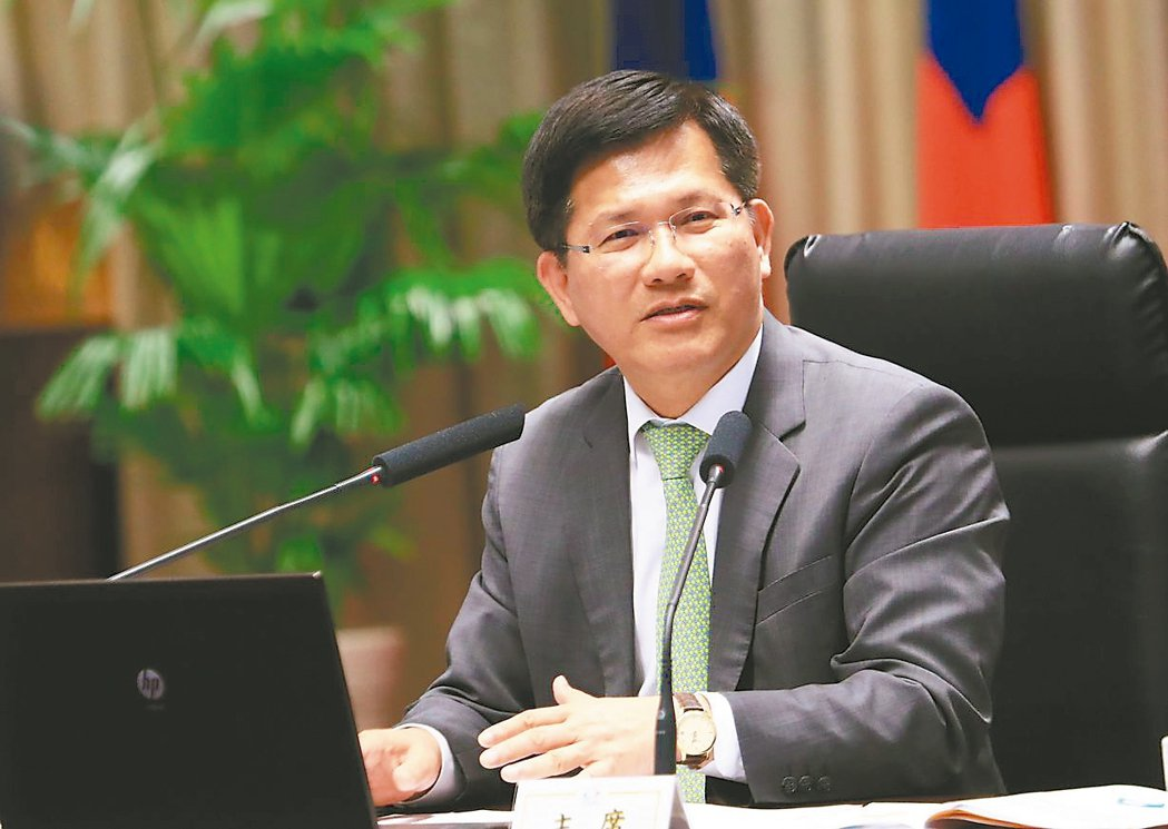 台中市長林佳龍說,辦完東亞青年運動會後,台灣應積極申辦亞奧運。 記者洪敬浤/攝影