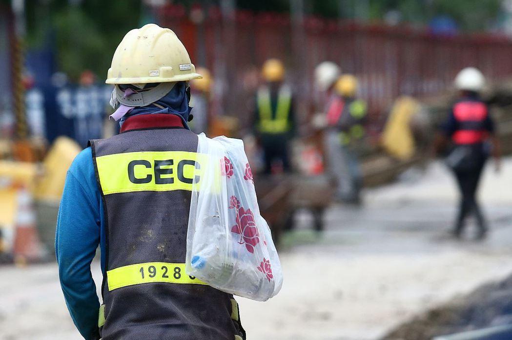 示意圖。勞動部今日下午預告《勞動基準法》修法草案,提出一例一休五大修法內容。聯合...
