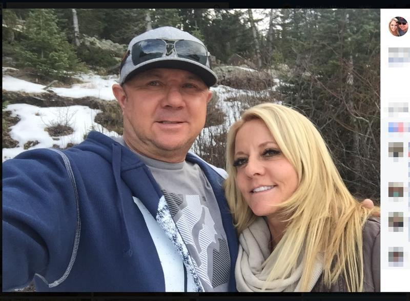 一對夫婦在拉斯維加斯槍案中大難不死,但兩周後兩人在南加州住家附近的一起交通事故中...