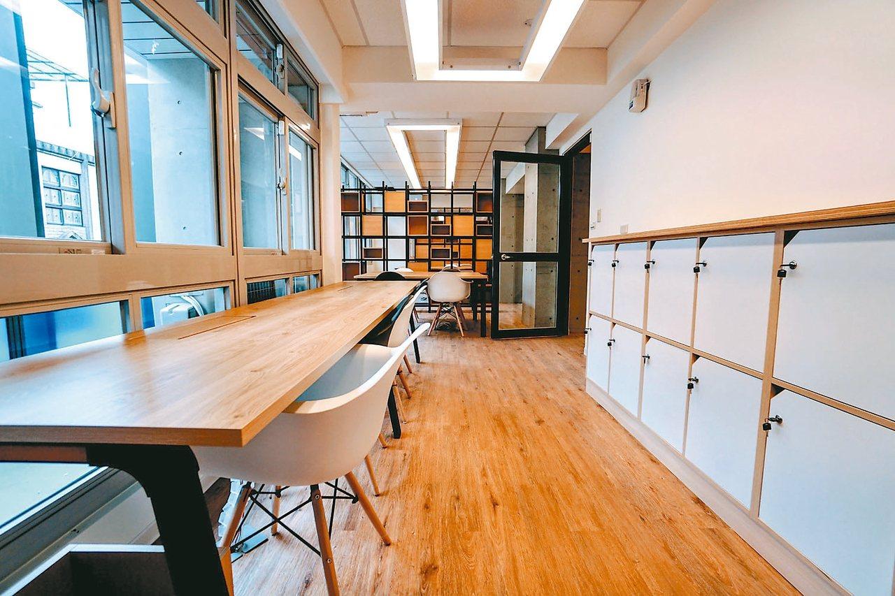 桃園市府第一個打造完成的亞洲.矽谷計畫安東青創基地,內部設計走簡易風(見圖),外...