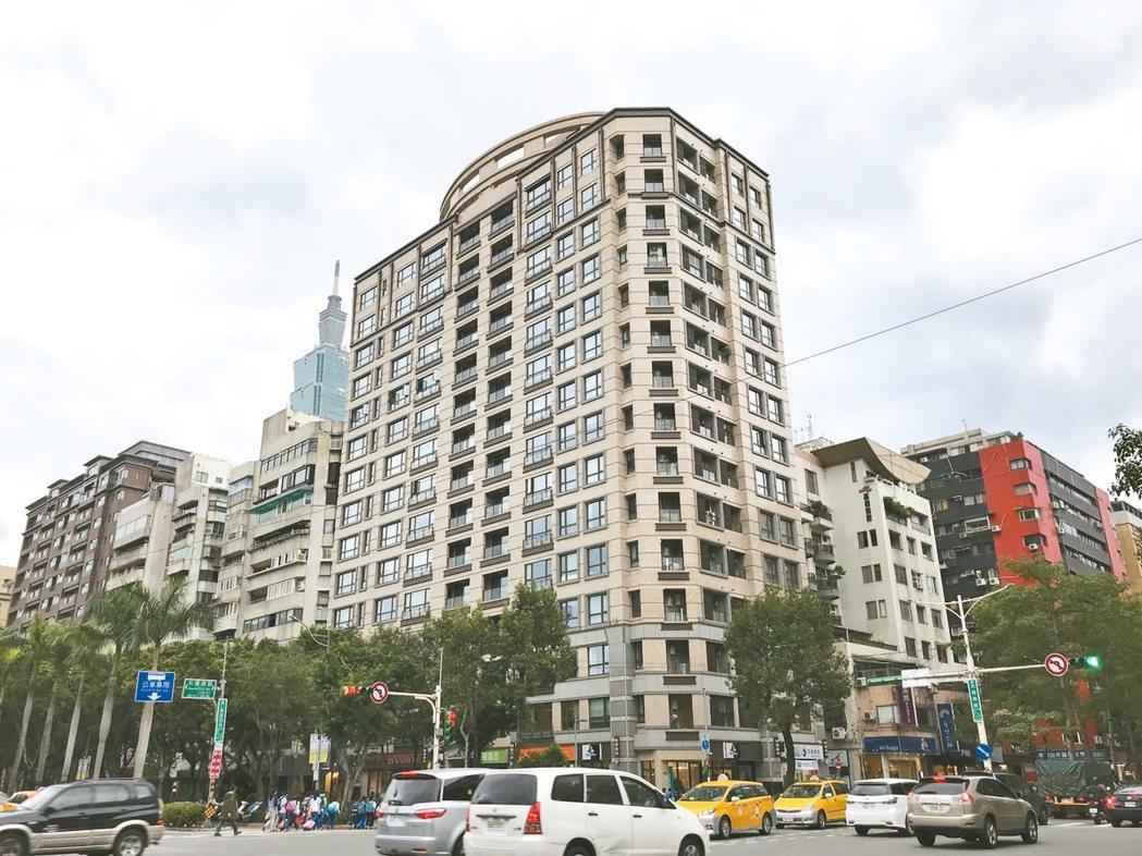 尚華仁愛今年6月成交的11樓戶,屋主慘賠2253萬出場。 記者游智文/攝影