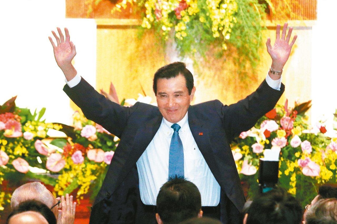 前總統馬英九上午出席救國團成立65周年團慶大會,馬前總統透露自己15歲就參加救國...