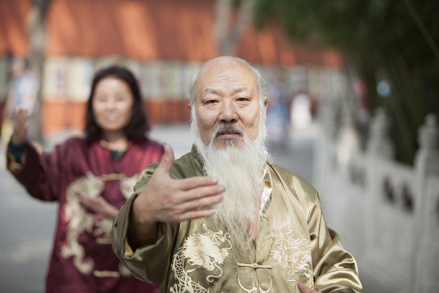 中國社會保障學會會長鄭功成預計到2035年時,60歲以上人口將突破4億。 圖/I...