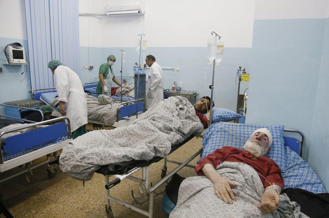 阿富汗首都喀布爾高檔地段阿克巴汗區今天發生爆炸事件,至少已造成13人死亡。 歐新...