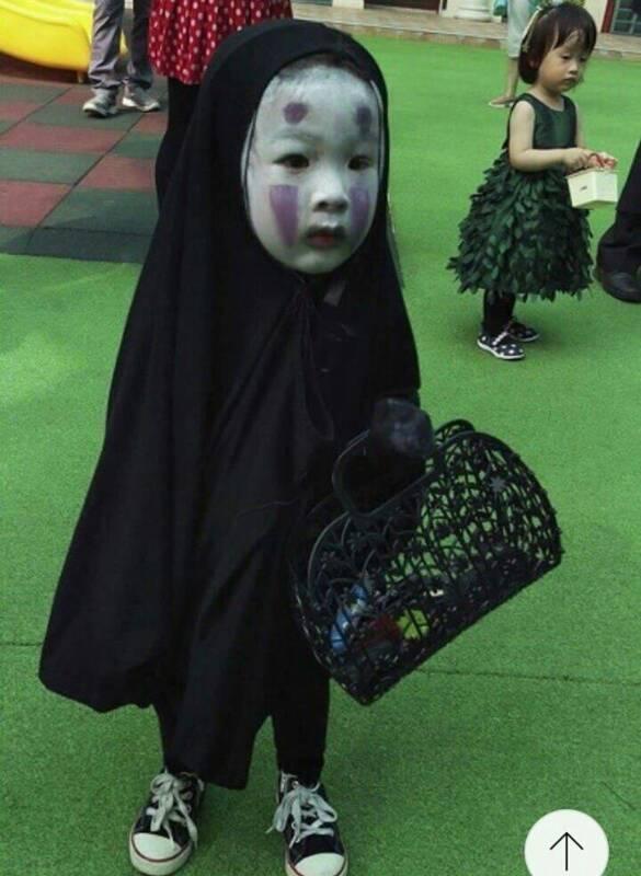 去年最夯的萬聖造型「無臉女孩」。擷自爆料公社