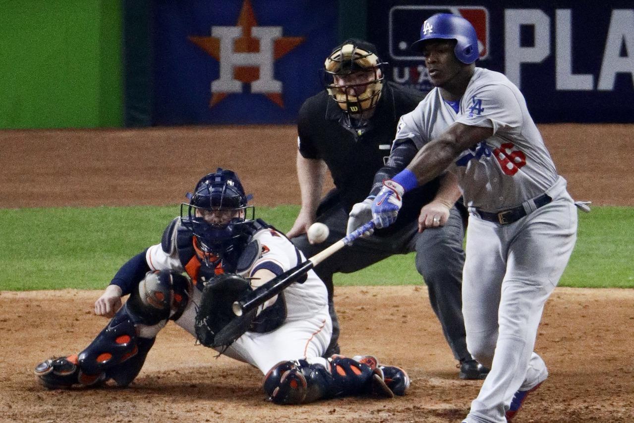 普伊格打擊姿勢都變形,像是勉強碰到球,結果還是飛出去成為全壘打,球真的沒有比較彈...