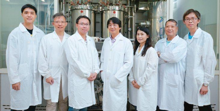 工研院研發的「廢液晶面板再利用處理系統」,可將廢棄液晶近百分百回收,再製為新的液...