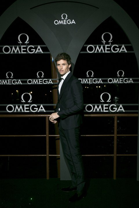 瑞士鐘表品牌歐米茄(OMEGA)日前在「水都」威尼斯舉辦海馬系列 Aqua Terra大師天文台腕表的酒會,讓包括代言人的艾迪瑞德曼(Eddie Redmayne)、超模David Gandy、Ol...