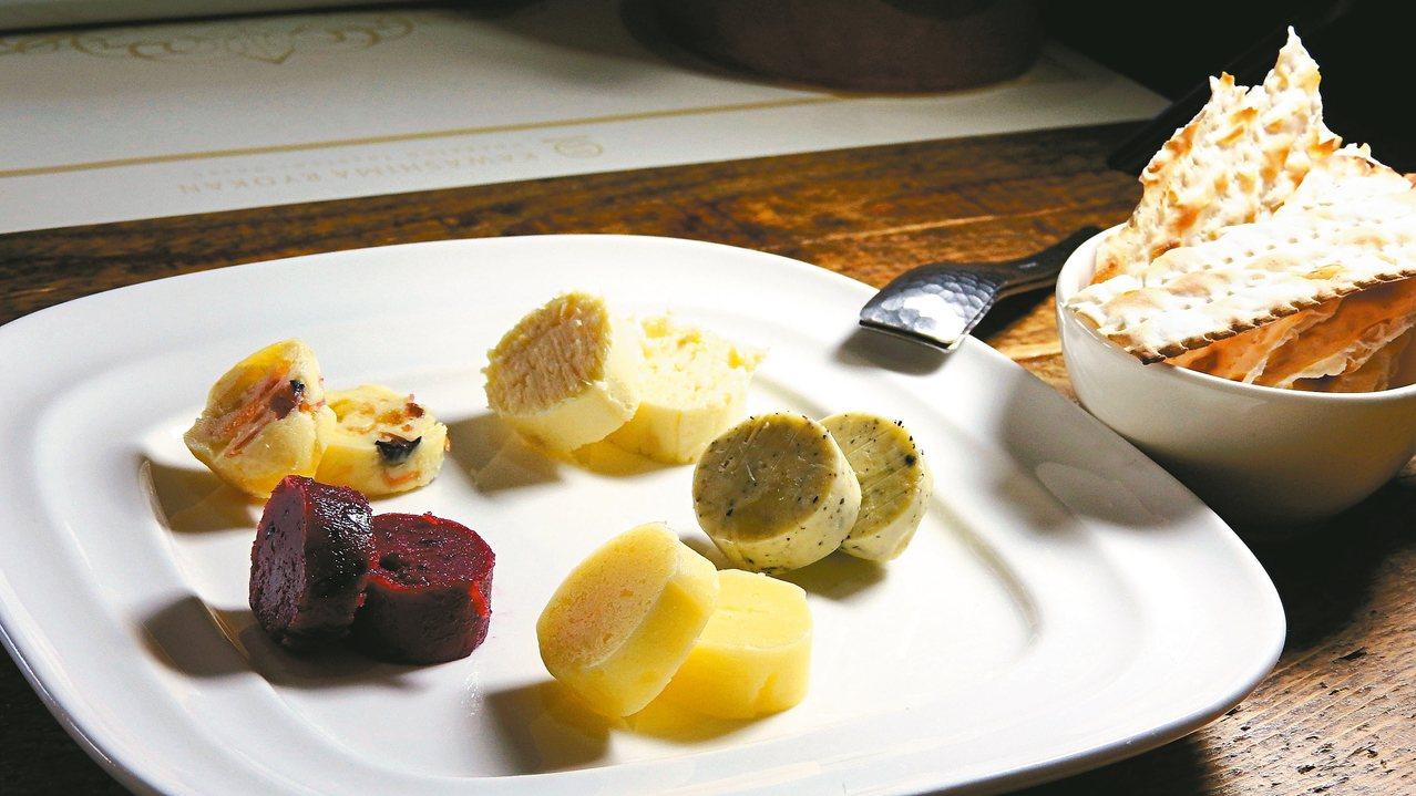 川島旅館共有13到14種起司拼盤,每天更換口味。 記者魏妤庭/攝影