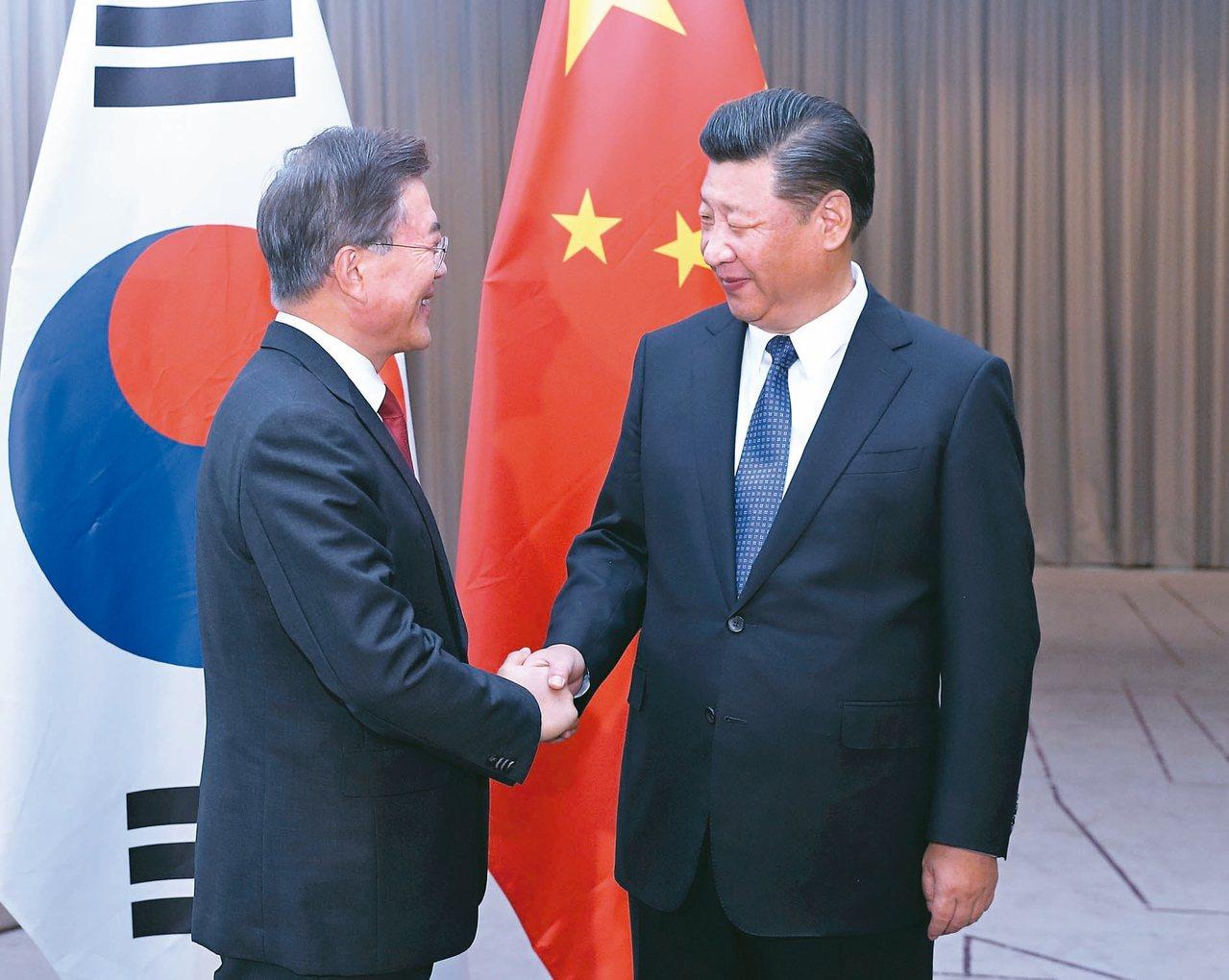 南韓總統文在寅將於十一月亞太經合會期間與大陸國家主席習近平舉行峰會。圖為習近平(...