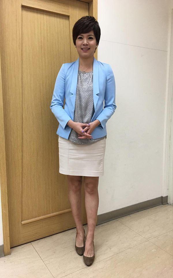 鍾沛君除了主播身分,也曾擔任伊林旗下模特兒。 圖/取自臉書