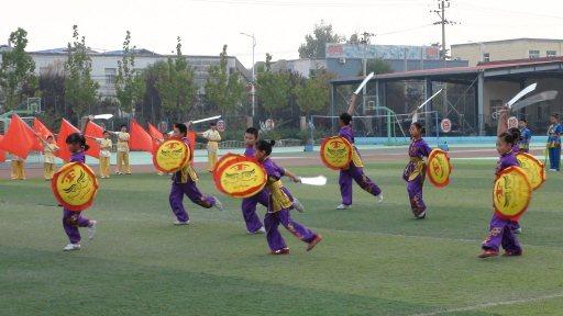 北京魏善莊第二中小學學生表演武術。 特派記者汪莉絹/攝影