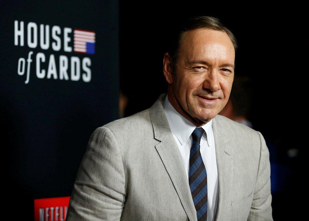 面對性侵指控,Netflix已發表聲明:由史貝西擔任主角及執行製作人的知名電視影...