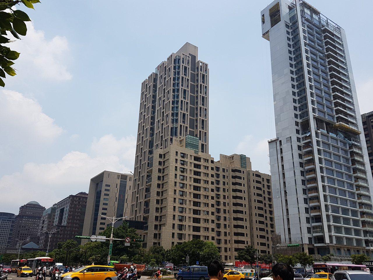 台北市10月房屋買賣移轉棟數1683棟,月減13.6%,年減5.08%;台灣房屋...
