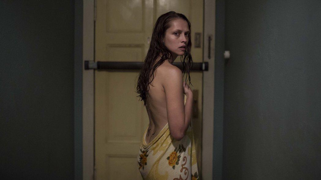 澳洲性感女星泰瑞莎帕瑪主演新片「顫慄柏林」。圖/采昌國際多媒體提供
