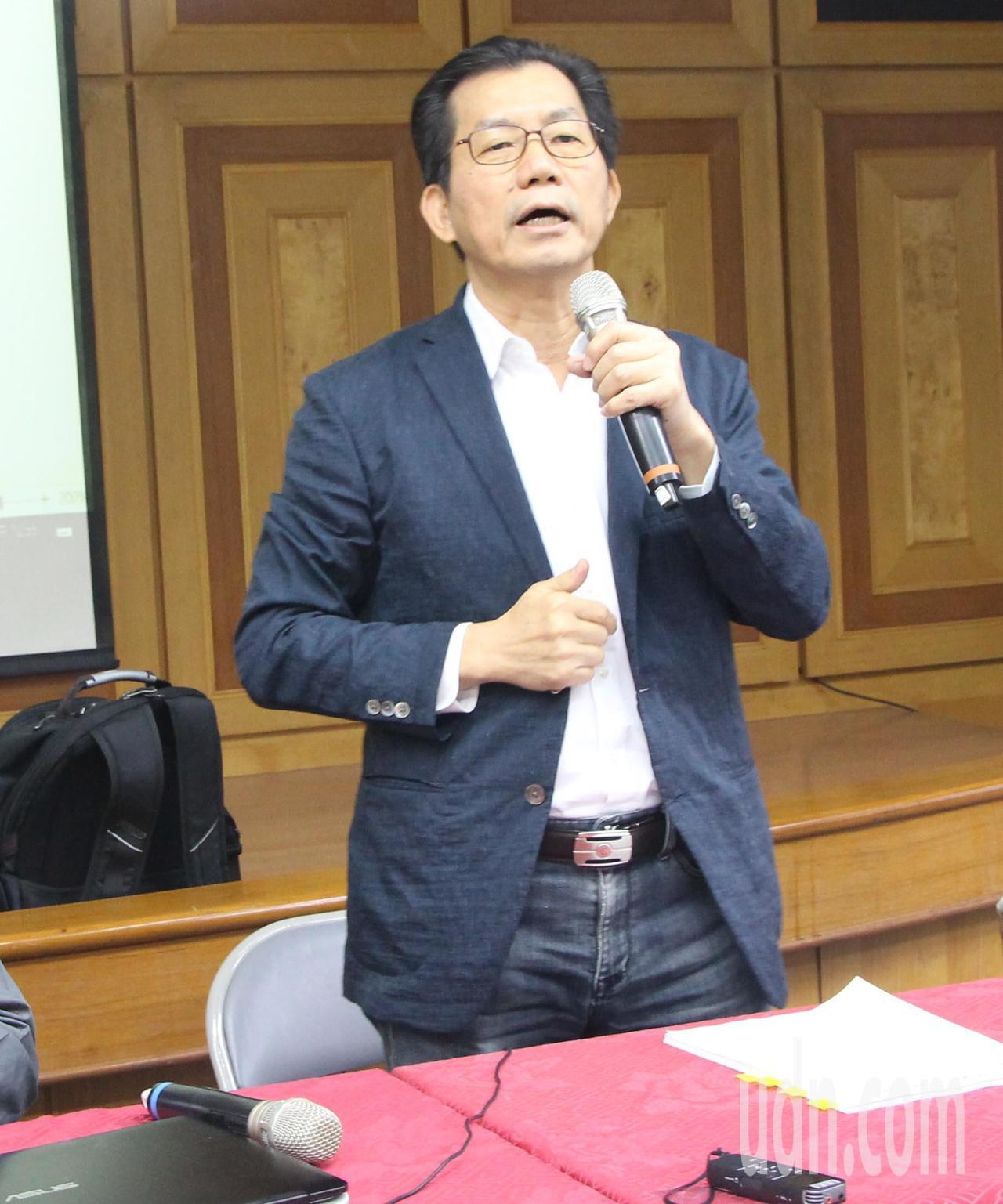 環保署長李應元今天到彰化參加中區環保座談會。記者林敬家/攝影