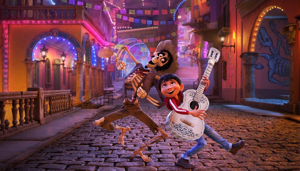 皮克斯最新動畫「可可夜總會」視覺風格很有特色。圖/迪士尼提供