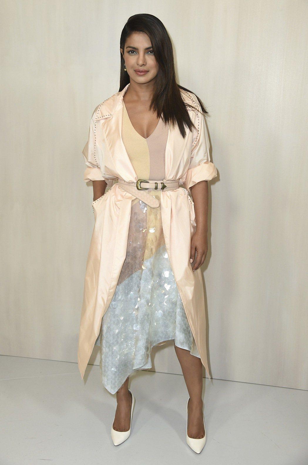 主演美國影集走紅好萊塢的印度女星琵豔卡.喬普拉,因長期投入國際公益活動,被富比世