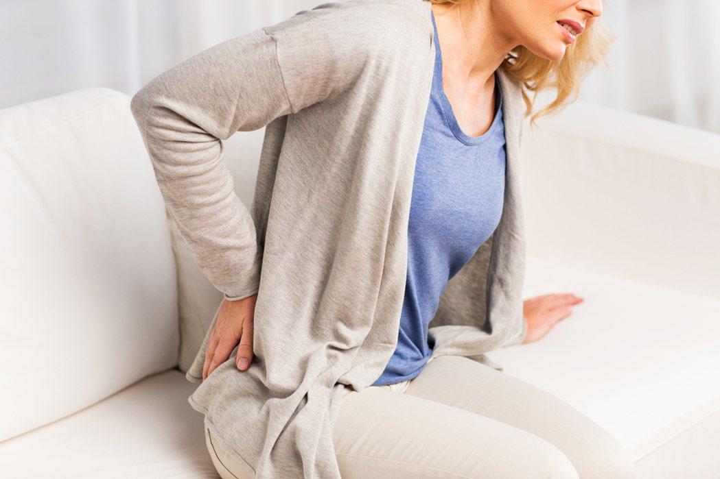 為何更年期女性容易骨質疏鬆? 圖/ingimage