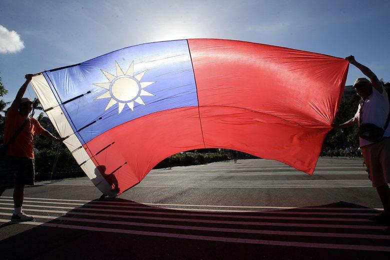 「台灣是一個主權獨立的國家,它現在的名字叫做中華民國。」這樣的陳述是目前台灣的民...