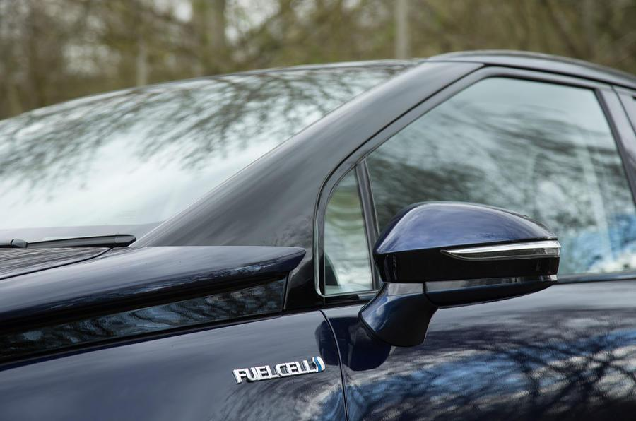 Toyota認為自家第二款氫燃料動力車的價格,將有機會與油電混合車齊平。 摘自A...