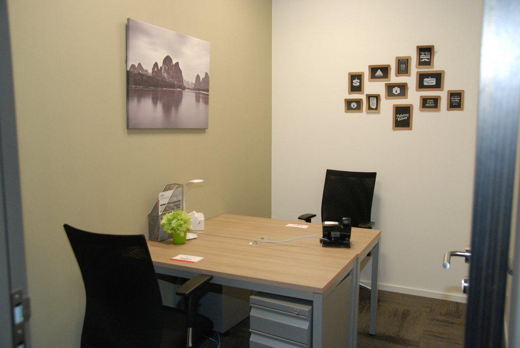 以此次發表會場的中心來說,共有30-40的辦公空間,並可依人數、需求提供不同大小的辦公室。 記者林鼎智/攝影