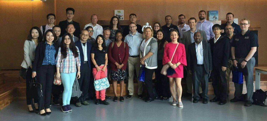 台灣學員赴深圳與美國校本部學員交流及企業參訪。 北科大/提供