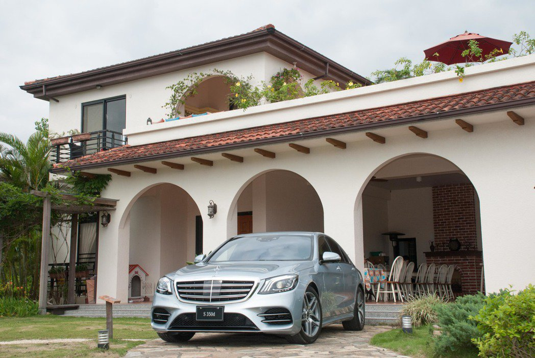 Mercedes-Benz S350d。記者林昱丞/攝影