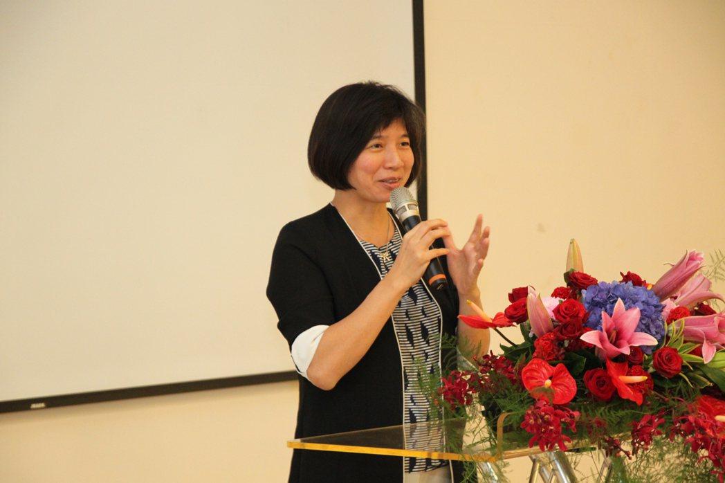 台中市推動「陪同出院長照服務」計畫,副市長林依瑩露出滿意笑容表示:「真的做到了無...