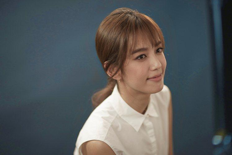 陳庭妮,第53屆金馬獎最佳新演員入圍。圖/蘭蔻提供