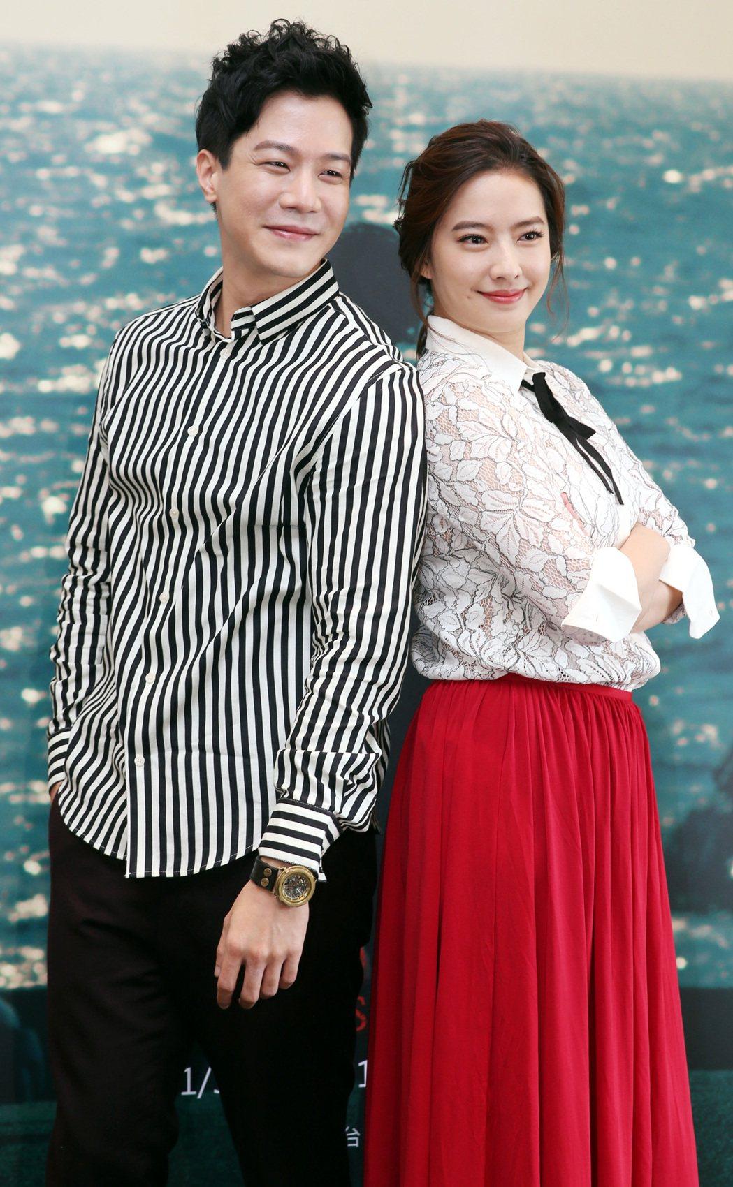 薛仕凌(左)及周采詩(右)出席公視新創電影「魚男」宣傳活動。記者侯永全/攝影
