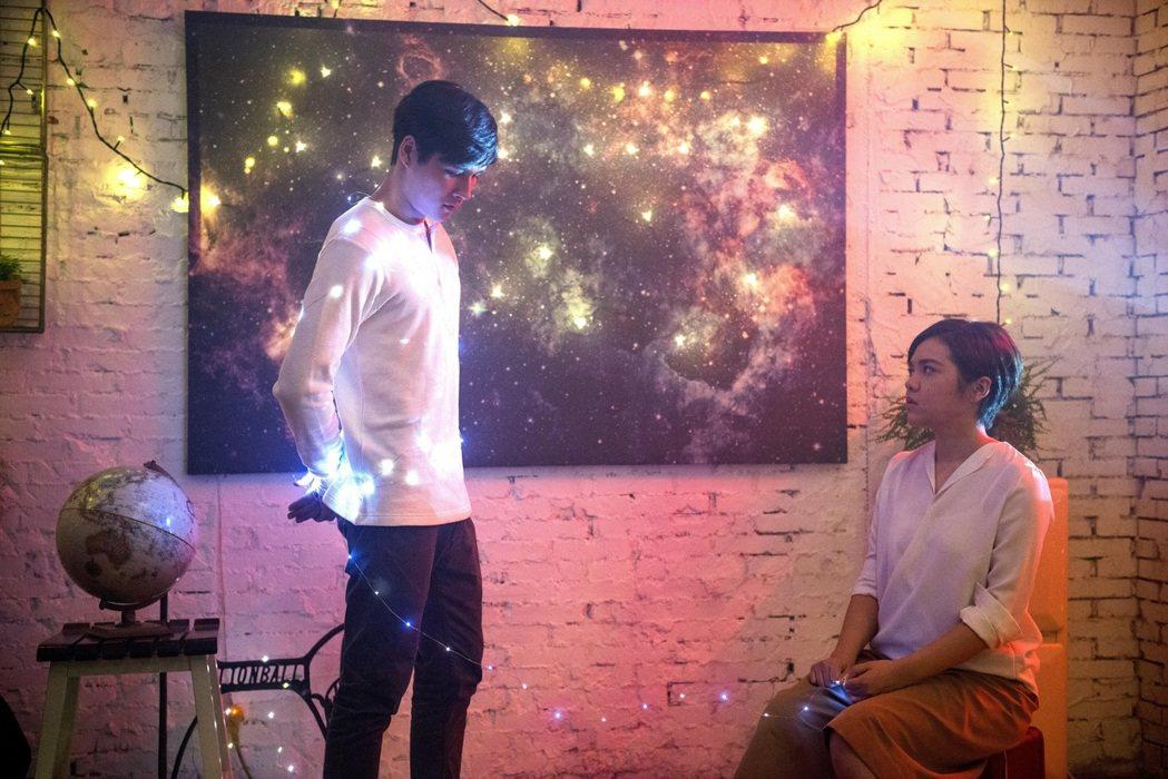 劉思涵(右)新歌找來凱渥新秀林杰。圖/種子音樂提供