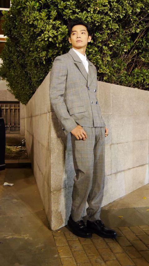 辰亦儒受紐約知名華裔設計師Vivienne Tam邀請至北京中國時裝周看秀,首度以時尚名義到來,讓他感到受寵若驚。這次的秀主要都是女裝,辰亦儒分享:「現在的女生的穿著有一些越來越中性,同時會穿一點O...