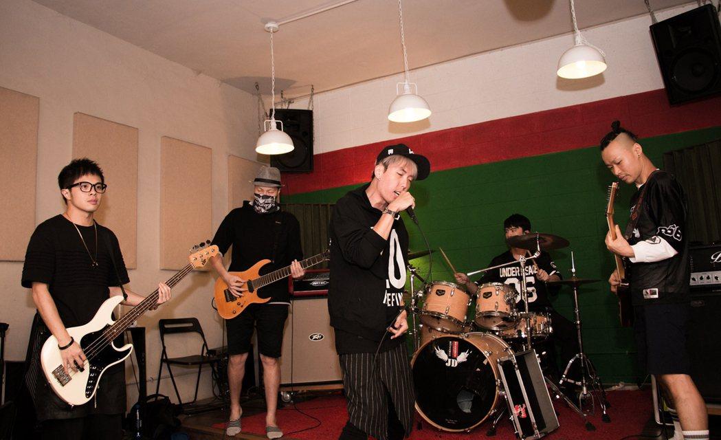 「唱秋十年 搖滾台中」將於11月4日至5日在台中市舊城區登場,其中解散10年的潑