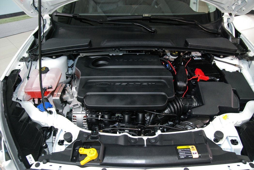 Ford Escort 全車系皆採用 1.5L 自然進氣引擎,搭配 Select...