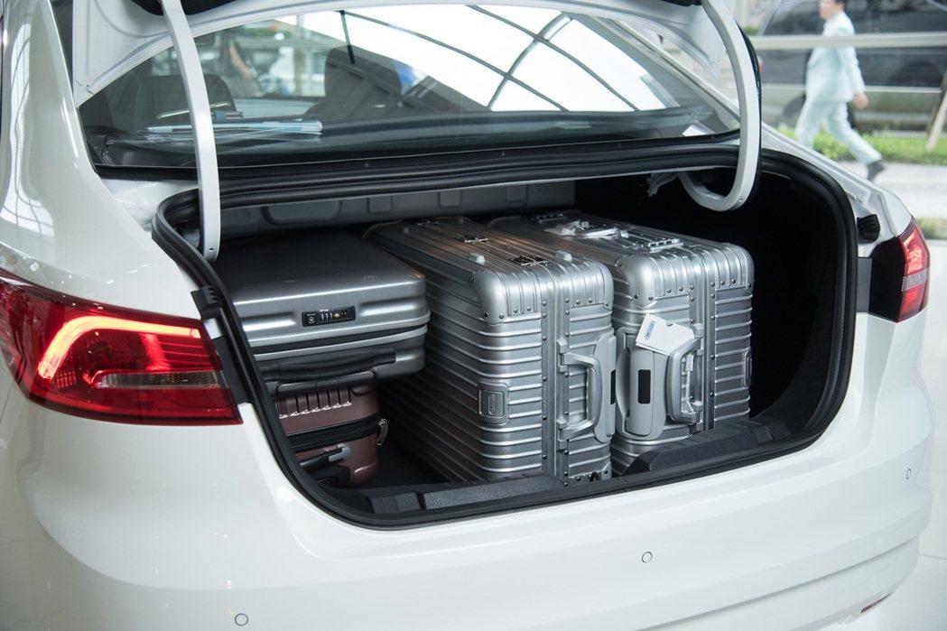 Ford Escort的後廂空間吞吐量達467L。 Ford 提供