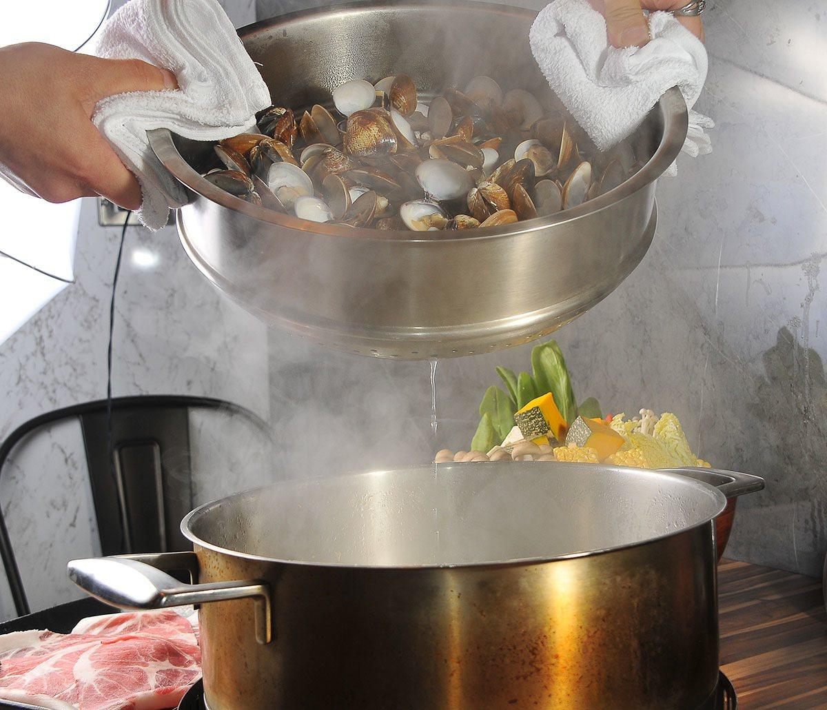 蛤蜊的汁液就是最天然的調味料。