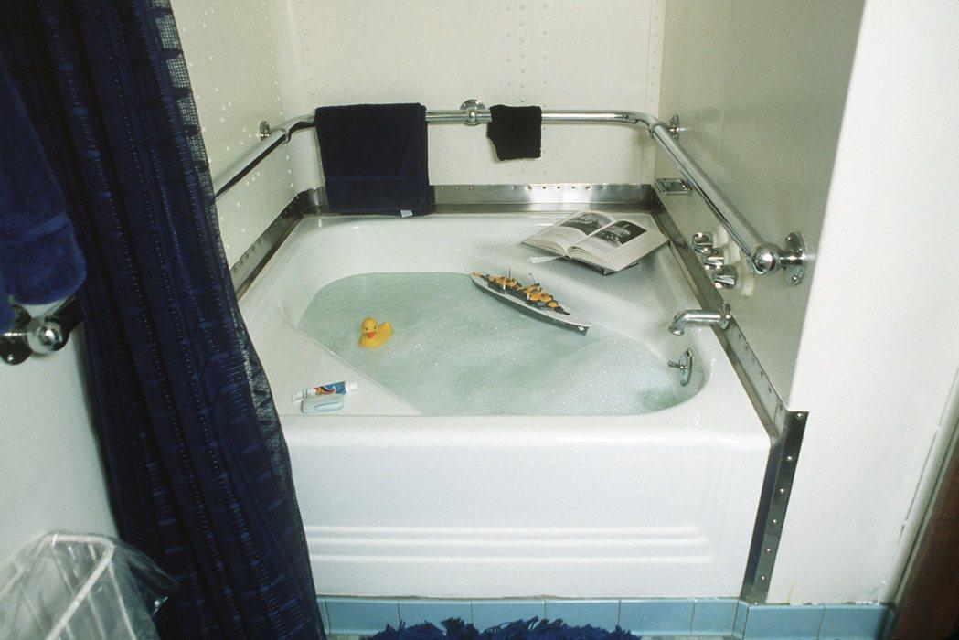 愛荷華號上的浴缸。 圖/取自維基百科