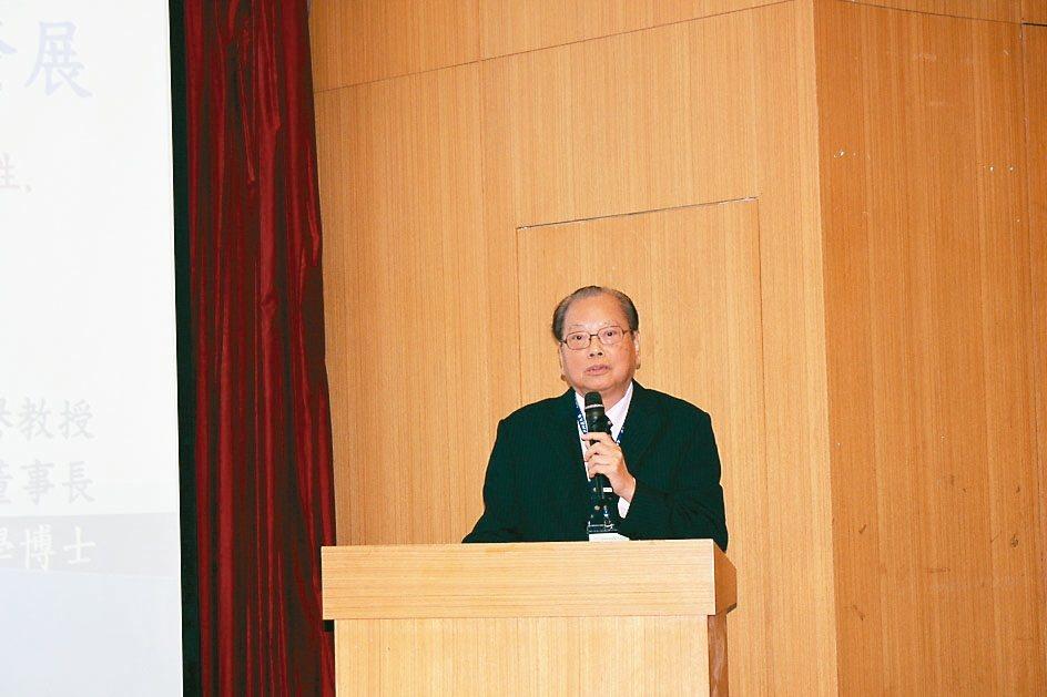 台灣大學醫學院名譽教授高明見博士。 吳佳汾/攝影