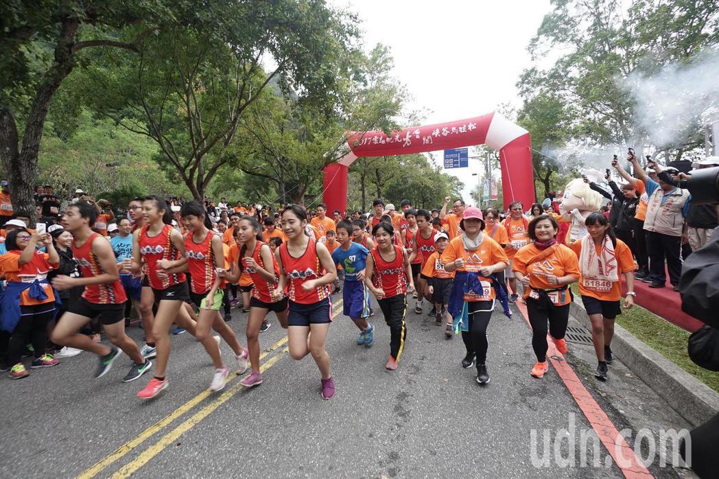 路跑/太魯閣馬拉松 16國上萬選手奔向峽谷