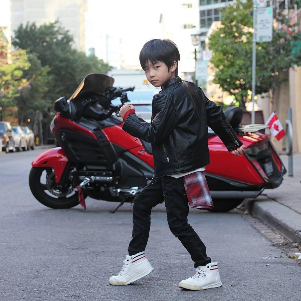 白潤音曾在「積木之家」、「再看我一眼」等戲中扮「小鬼」。圖/摘自臉書