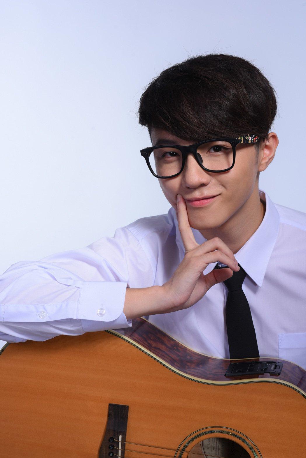 蘇一晉在11月3日發行了自己創作的全新數位單曲「雕像」。圖/浩鋒娛樂提供