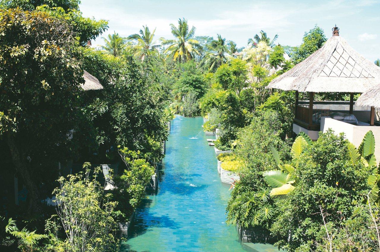 虹夕諾雅峇里島由三條運河游泳池貫穿所有房間。 圖/星野集團提供